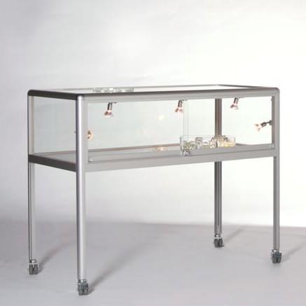 tischvitrine komfort 34 tischvitrinen thekenvitrine thekenvitrinen. Black Bedroom Furniture Sets. Home Design Ideas